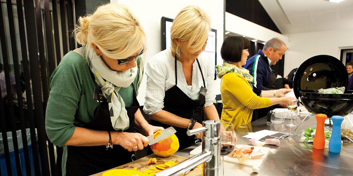 Hos Grill Academy i kulturbyen Aalborg arrangerer vi teambuilding med grillkurs i hovedsetet til grillprodusenten Weber.