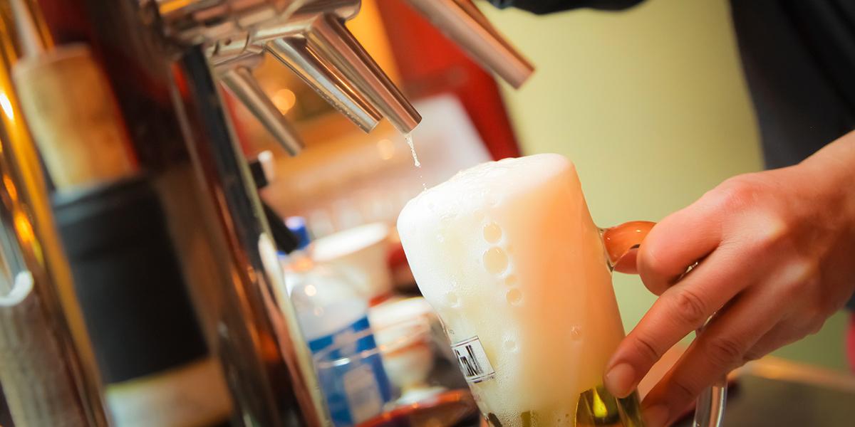 Smak på 6 gode øl på en rekke koselige puber i hjertet av Aalborg.