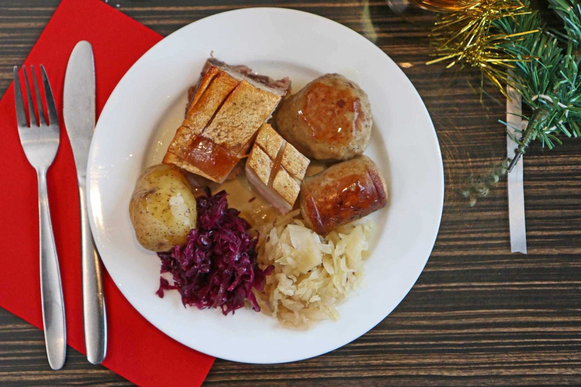 Folkefavoritten. Det anslås at ca. 60% av alle nordmenn serverer svineribbe på julaften.