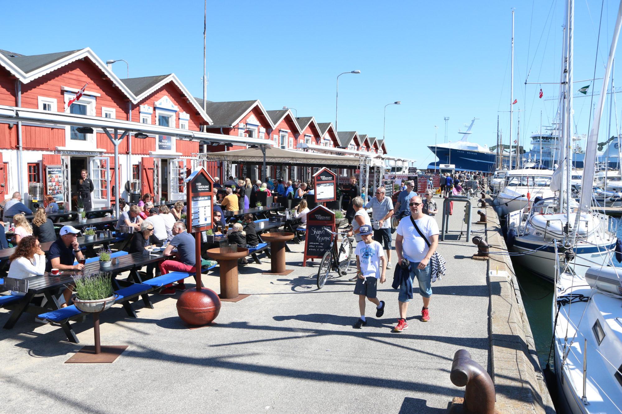 Bryggesleng, kos og sjømat. Det er én av hovedingrediensene for en sommertur til Skagen. Foto: Fjord Line