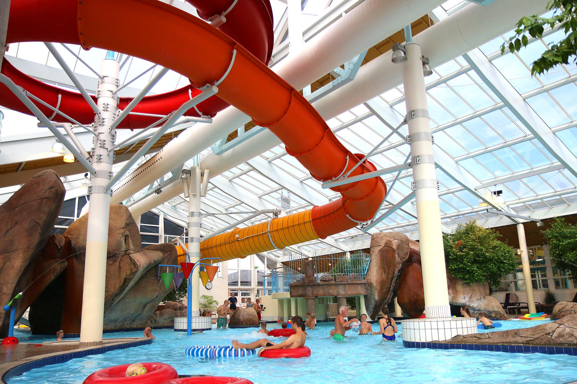 <strong>Alle elsker vann:</strong> På Skallerup Seaside Resort finner man et strøkent anlegg som inneholder en rekke bassenger, et flott vannland, lekeland, bowling, butikker, restauranter osv. Foto: Fjord Line