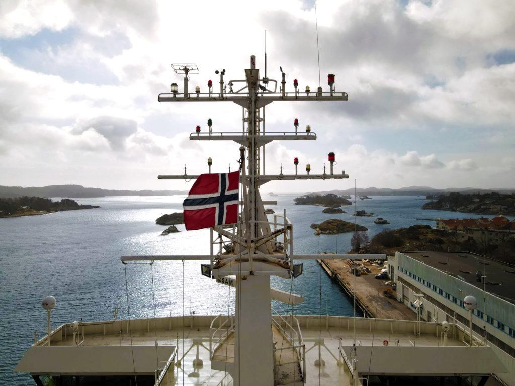 Nors flagg. Oslofjord har flagget om til norsk flagg. Foto: Fjord Line
